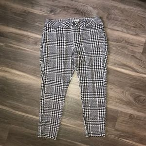 Cato Houndstooth Ankle Length Pants